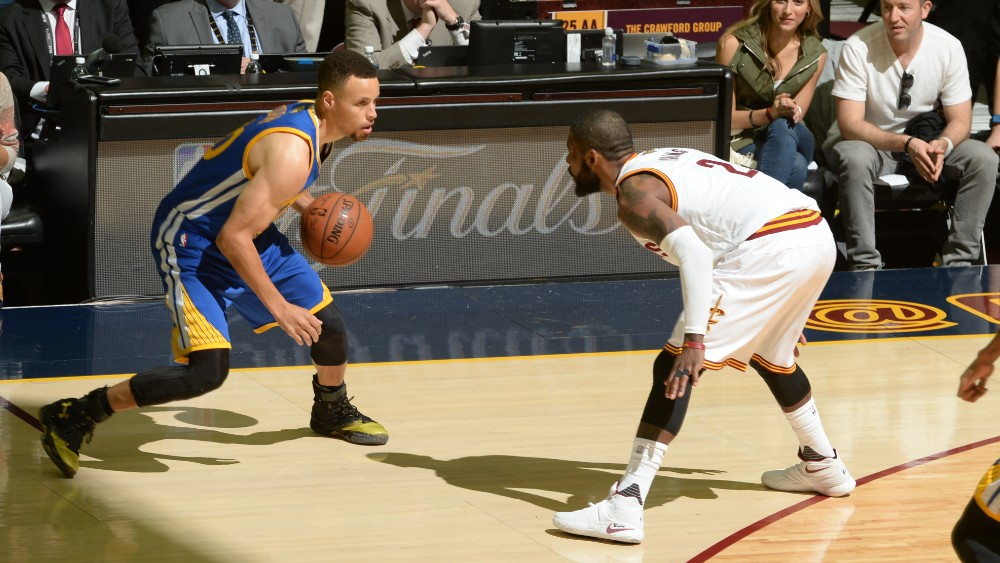 160616214912-stephen-curry-kyrie-irving-2016-nba-finals--game-six.1000x563